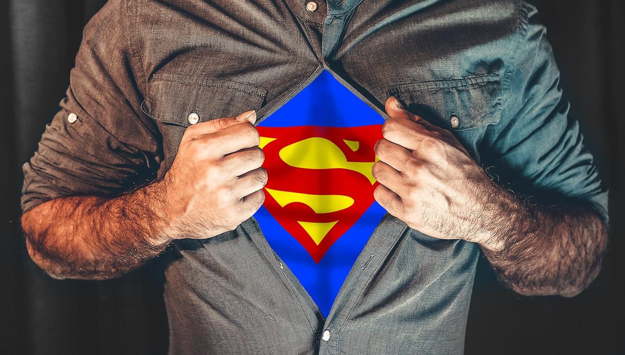 離開職場後 美國企業家轉行當社會超人!