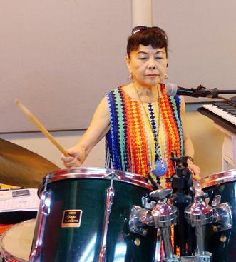 六十八歲挑戰爵士鼓 還不只如此 !