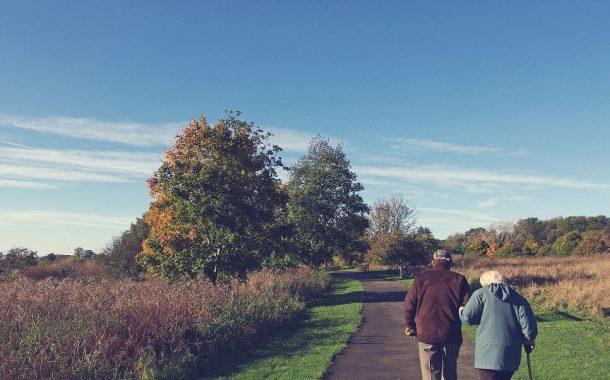 外籍看護衝擊老後婚姻 70年感情升溫需要幾個動作