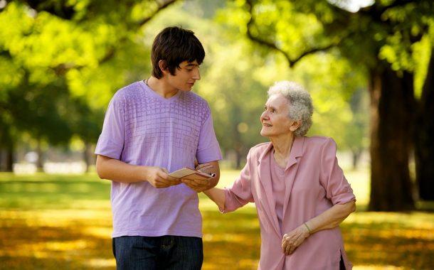 面對科技的快速變化 這兩個世代的人感到最孤獨!