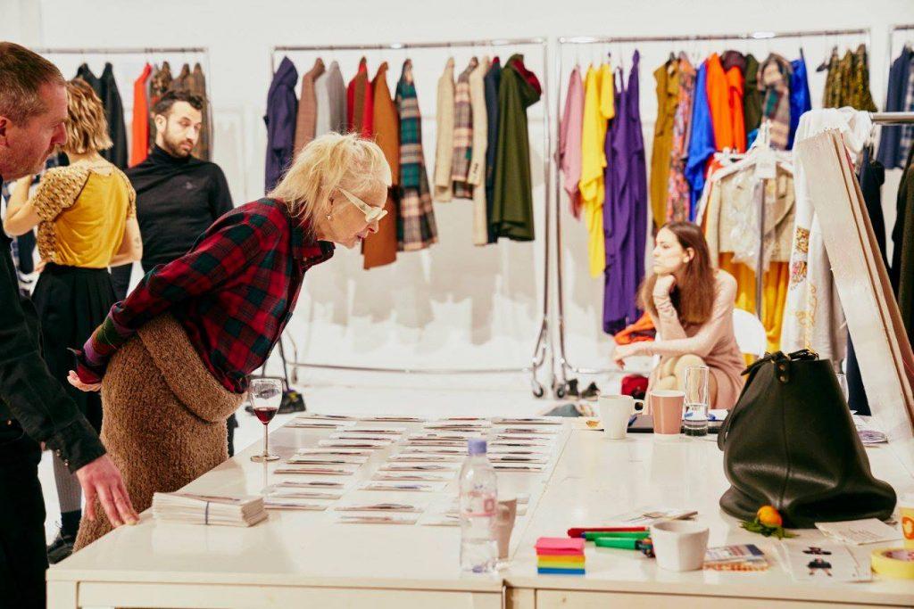 Vivienne Wsetwood - 時尚設計師 - 安可人生