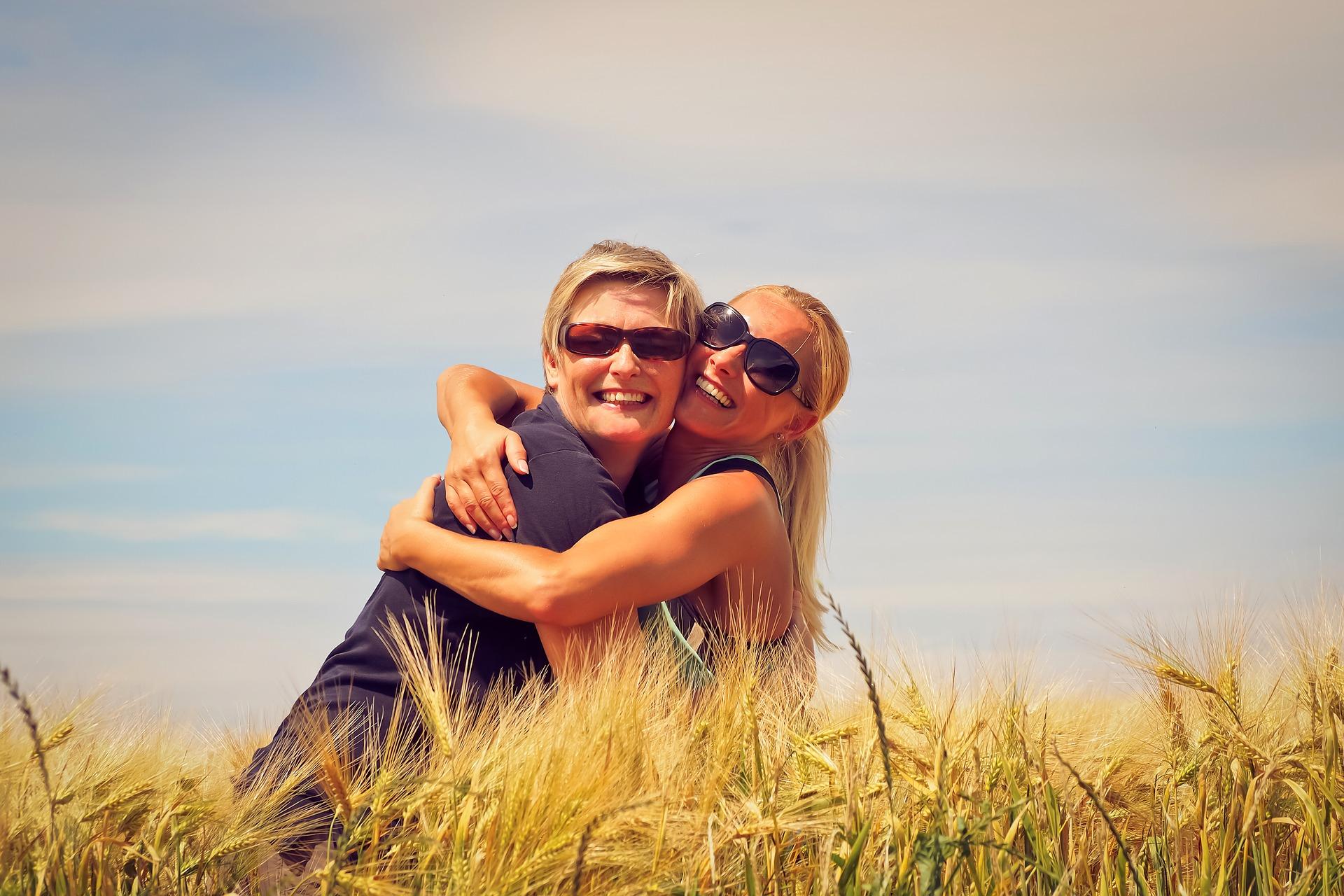 記住成為快樂熟年的關鍵,開始著手投資身邊的關係吧!