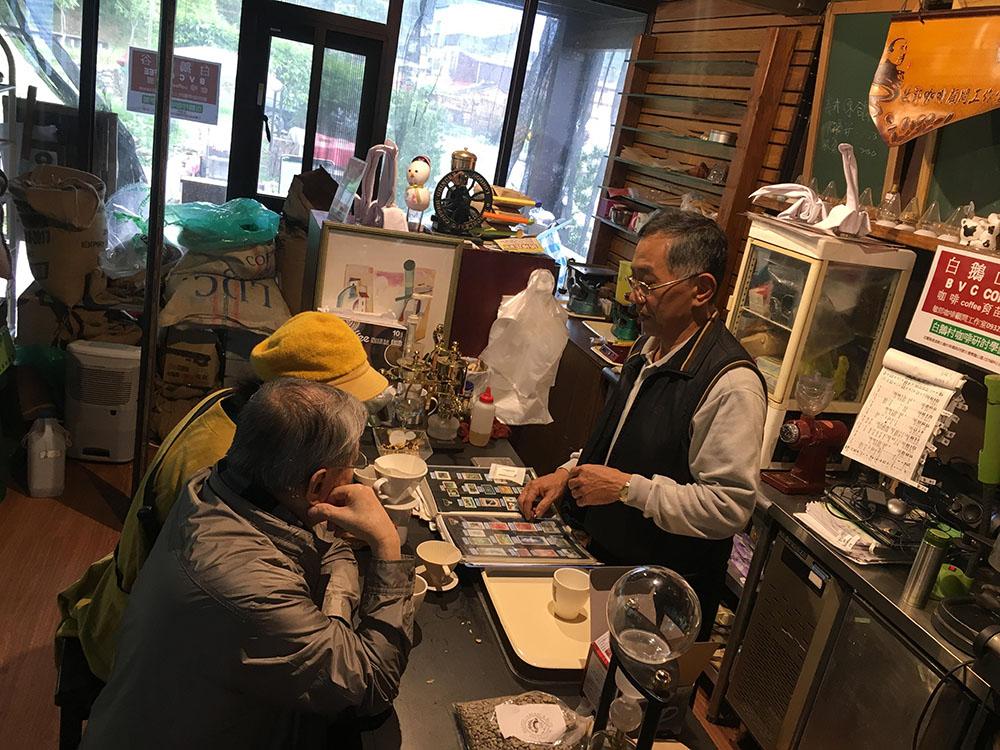 國際咖啡日+國際老人日,讓我們環遊世界走進熟齡特色咖啡館