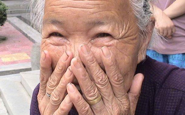 常跟老人家說這9句話,他會一天比一天開心