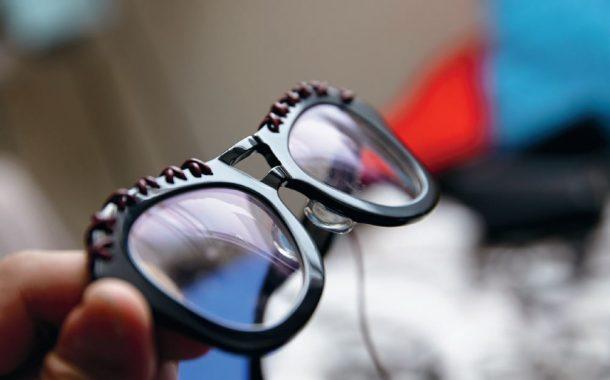 鼻梁上的工藝,時尚達人袁青的眼鏡學