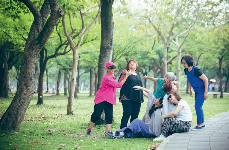 不老社團 熟齡即興舞蹈 - 安可人生雜誌