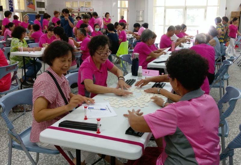 宜蘭二結桌遊友誼賽,用以色列麻將讓長者同樂