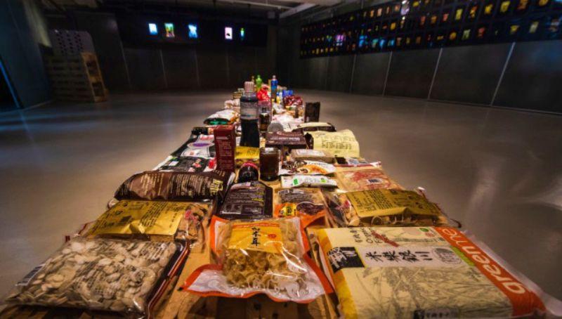 藝術家用食品策展人生故事,一起享用賞味期限大餐