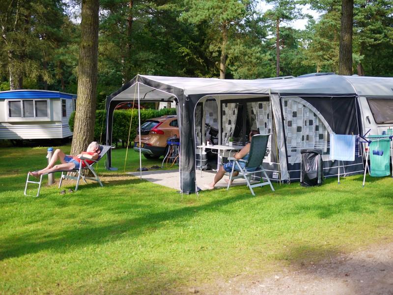 荷蘭爺奶從年輕瘋到老 就是愛露營