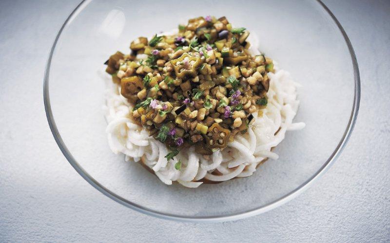 蔬菜做的偽麵條料理-安可人生