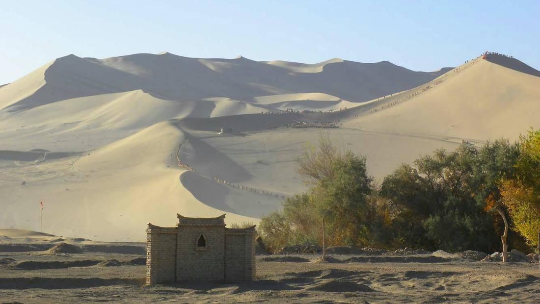 在沙漠裡遇見米勒大師的畫布