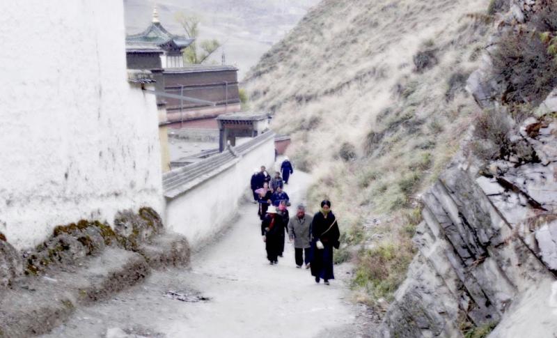 馬蹄壯遊|甘南小鎮上的卓瑪旅店體驗藏區生活
