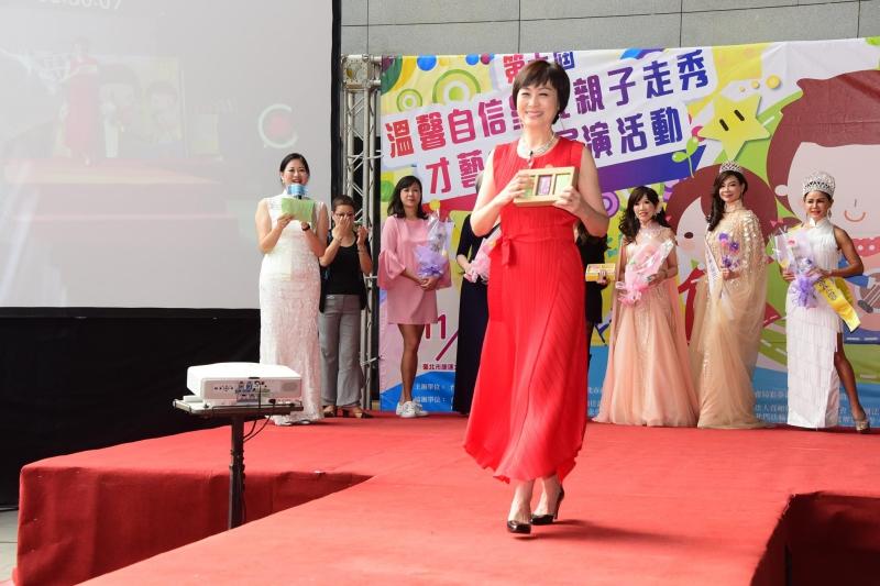 Anke時尚|名模王偉華教你「走」出健康、自信、增強腦力