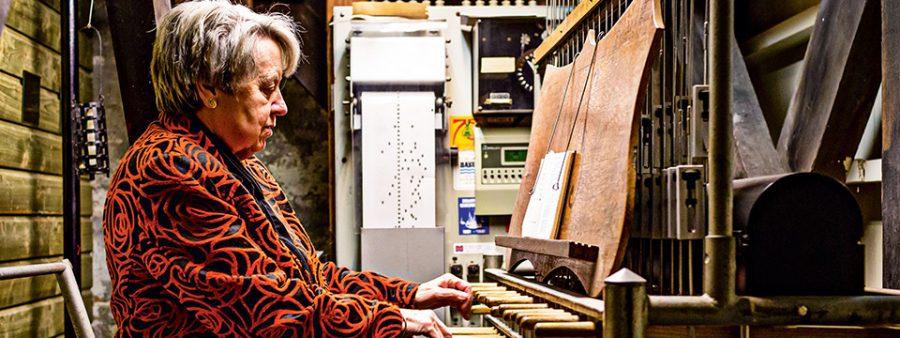 荷蘭傳真|讓整座城市變快樂的72歲鐘樓婆婆:停止演奏不是我的人生選項