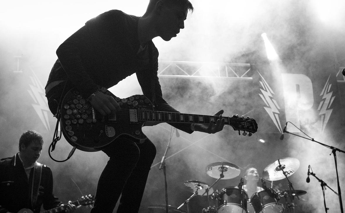 瑞士傳真|不搖滾毋寧死,安養中心的 重金屬音樂 課