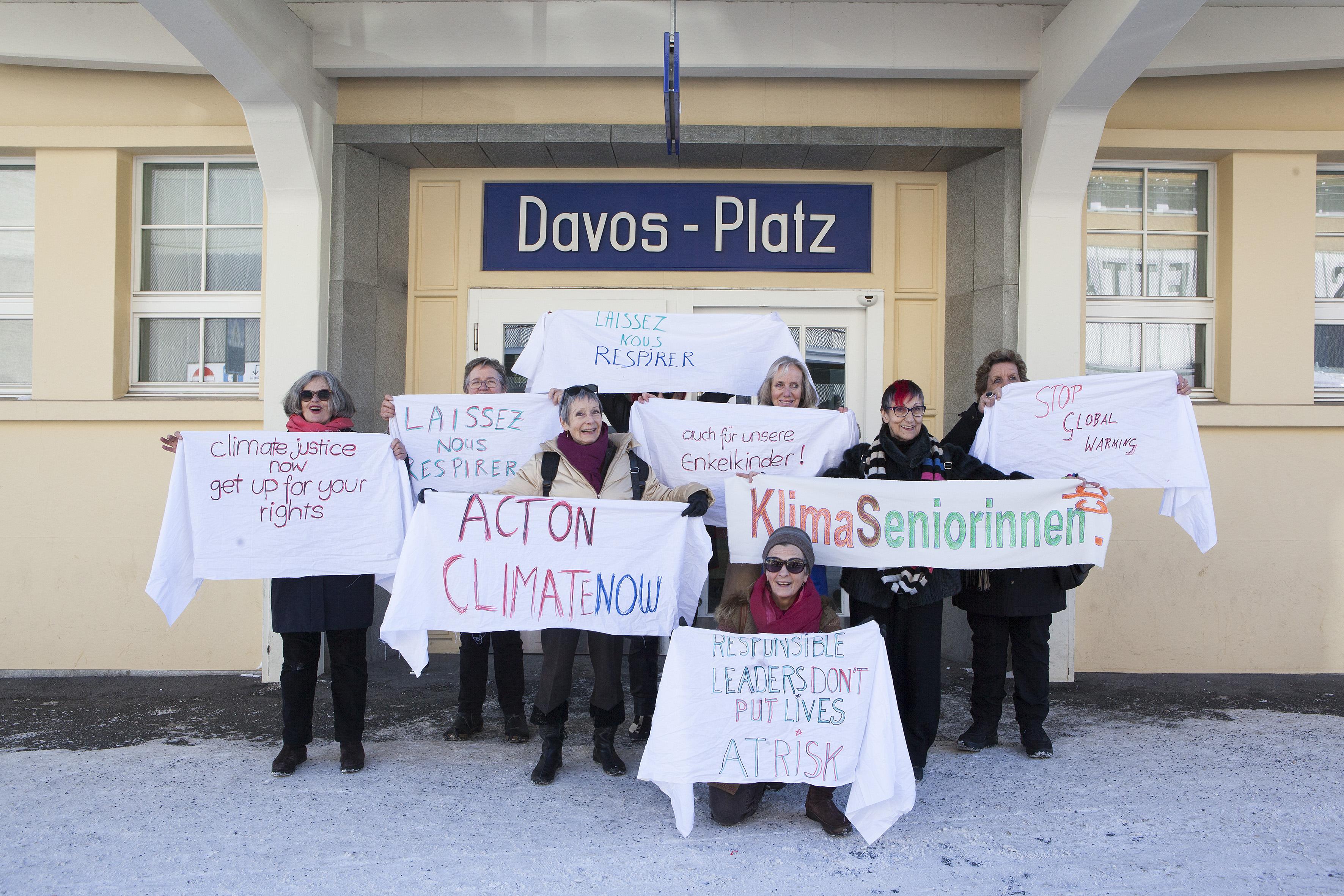 瑞士傳真|自己的環境自己救,瑞士奶奶上街頭