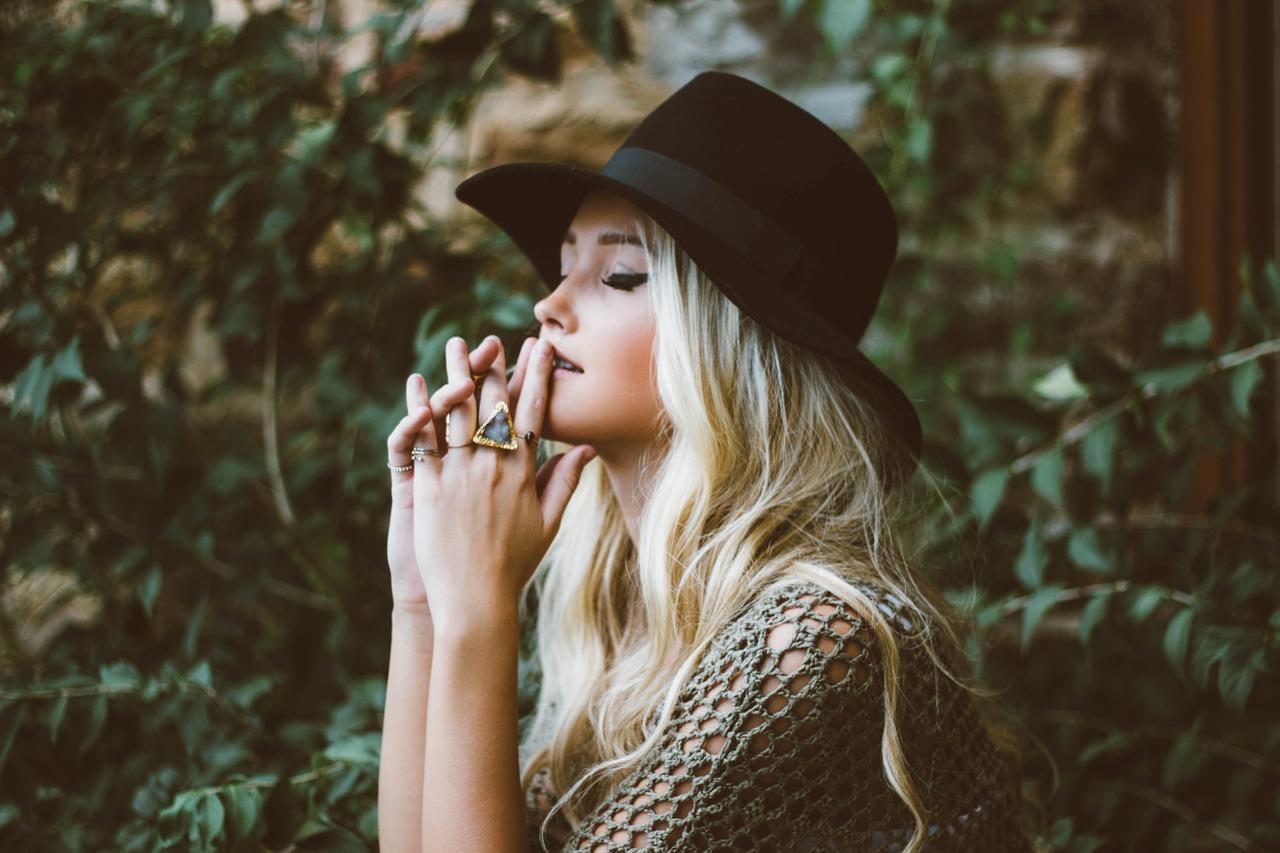 Anke時尚|熟齡穿搭 不求人,掌握「4要4不要」做個有質感的大女孩