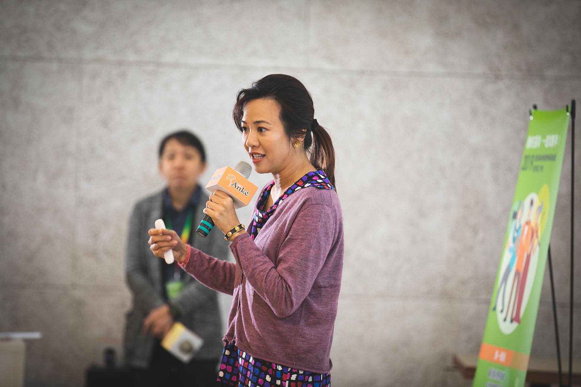 新光人壽慈善基金會執行長吳欣盈15年前便從美國引進了「傳承藝術」和「活化歷史」。