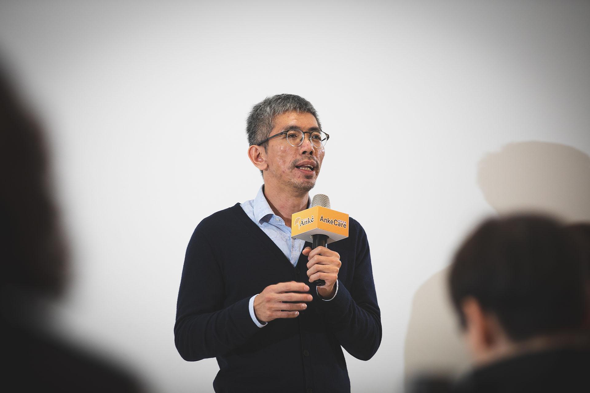 空總臺灣當代文化實驗場推廣組總監陳國政則表示,空總近年透過活動安排設計,積極讓熟齡觀眾走進空總。
