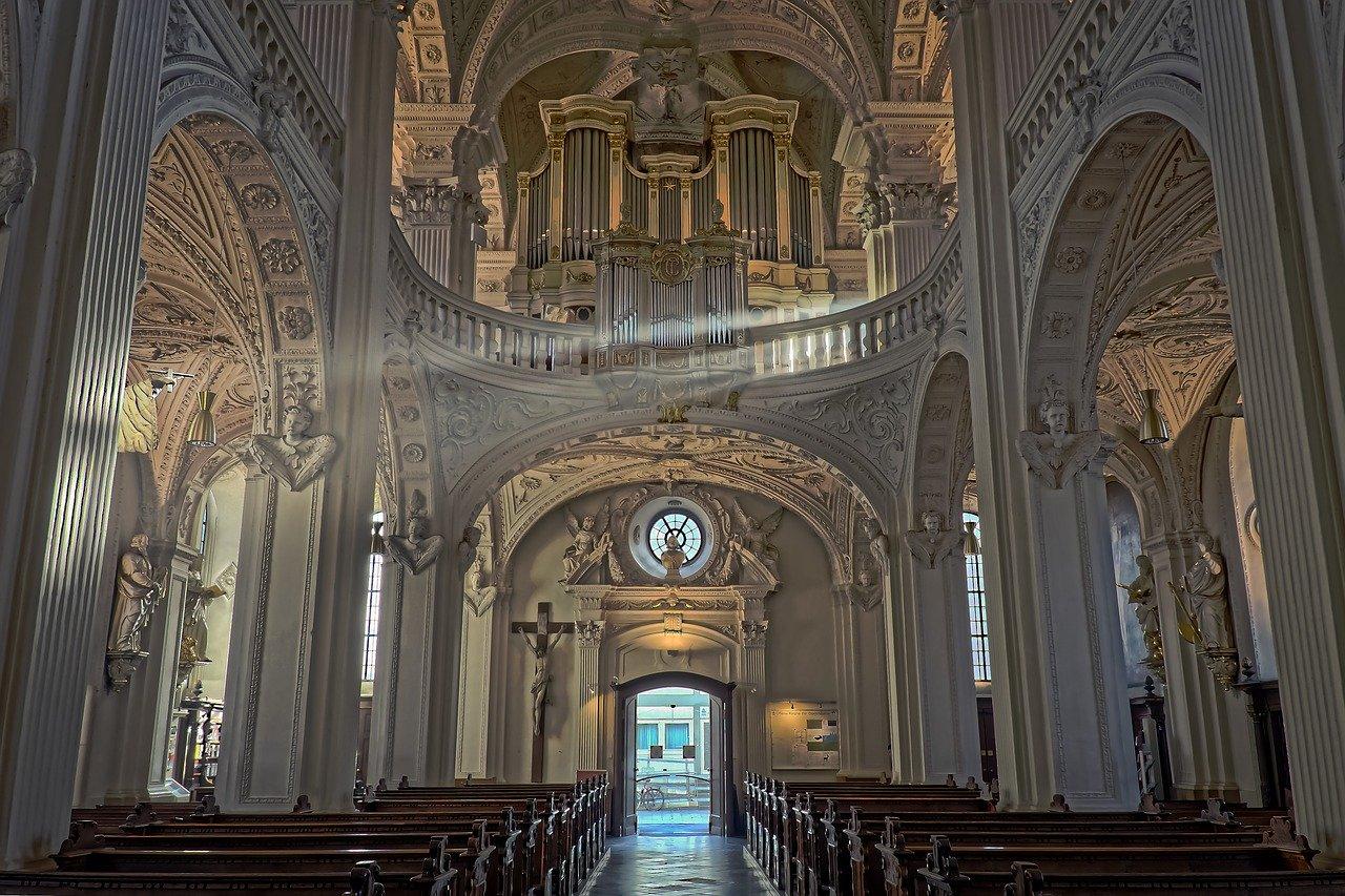 瑞士傳真|聖堂裡的音樂會,為視障長輩敞開新世界