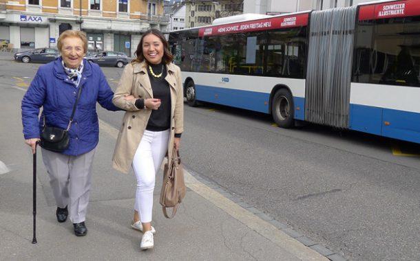 全球樂齡|蘇黎世志工  協助長者安全出門、平安回家