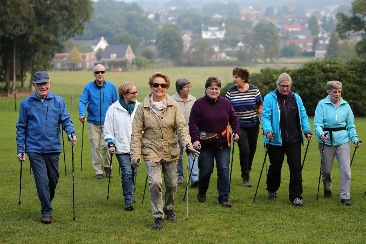 全球樂齡   透過北歐步行  強身健體抗病毒