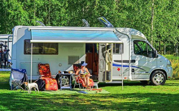 全球樂齡|美國長者的夢幻工作 將工作結合露營