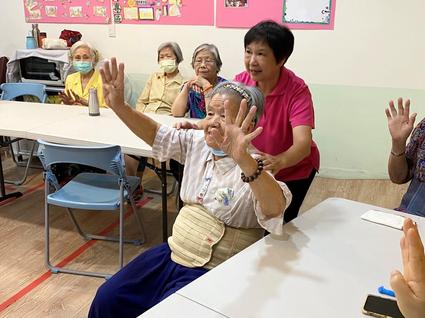 創齡資源箱_高雄苓雅佳馨C巷弄長照站-3