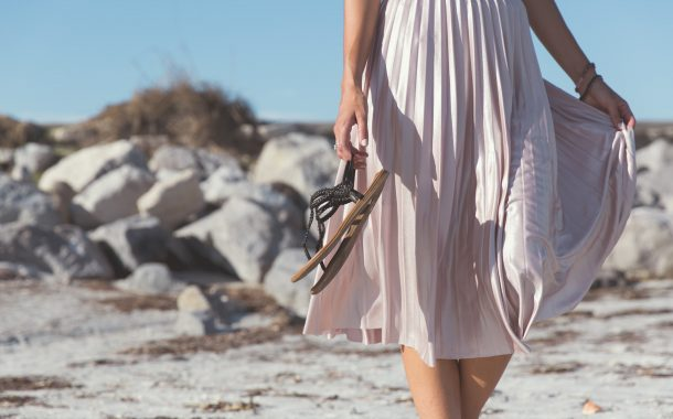 熟年時尚|解放雙腳  夏日涼鞋如何挑?