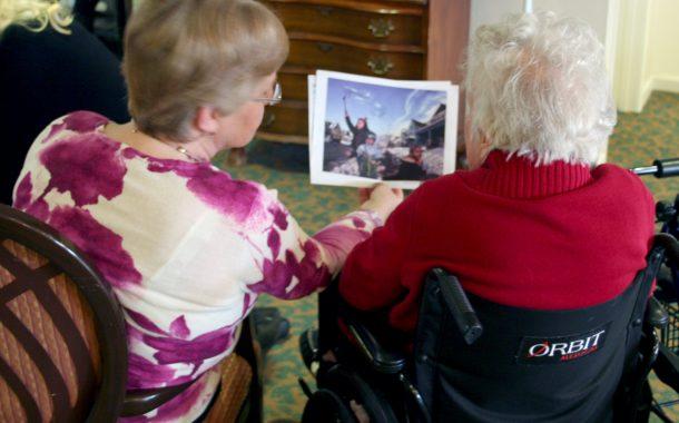 全球樂齡 | 失智長者也許更有想像力!  美國TimeSlips組織透過圖片激發創造力