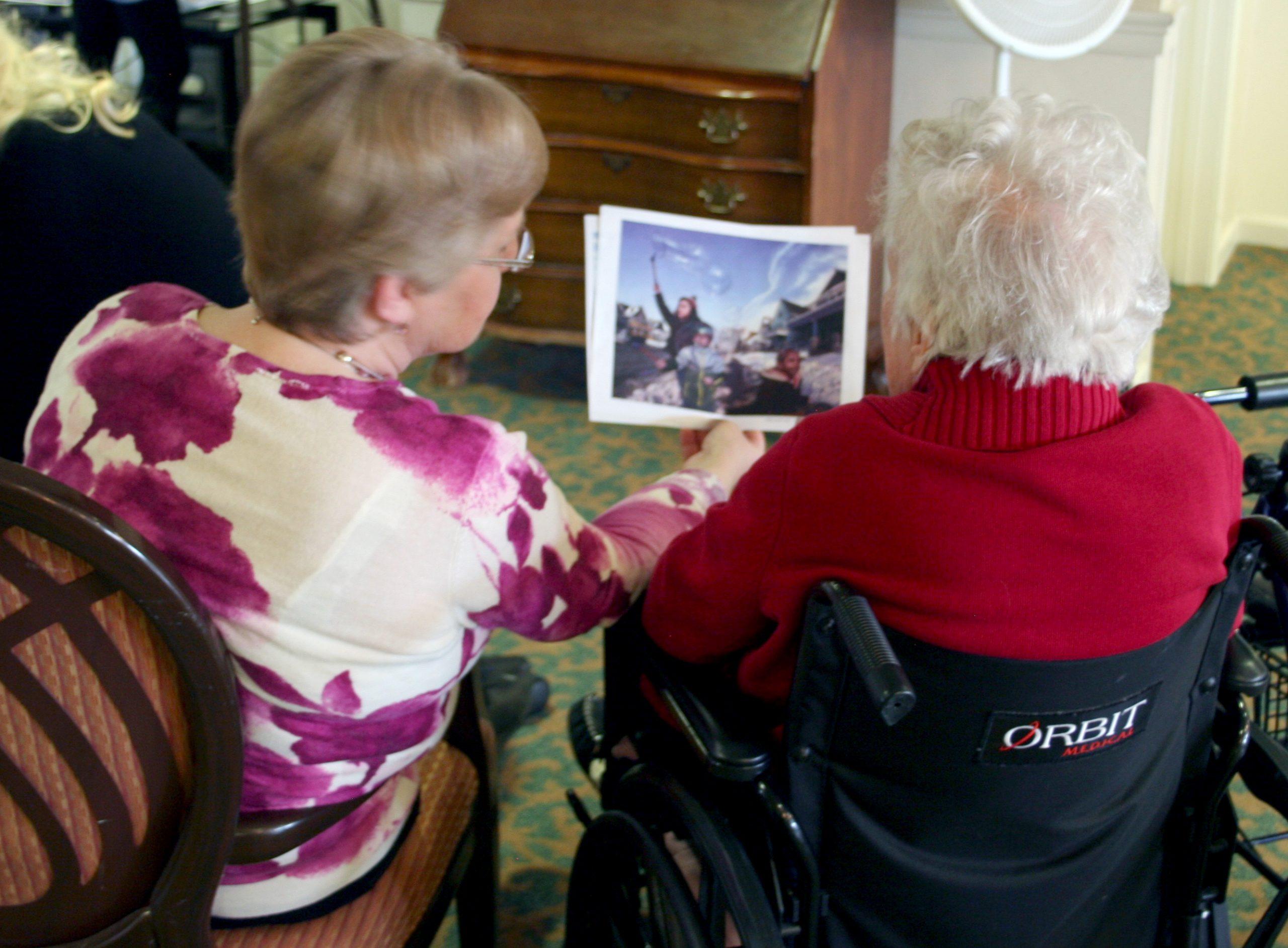 全球樂齡   失智長者也許更有想像力!  美國TimeSlips組織透過圖片激發創造力
