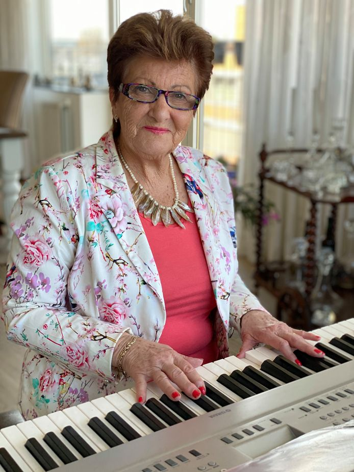 鍵盤阿嬤_梅耶爾奶奶-3