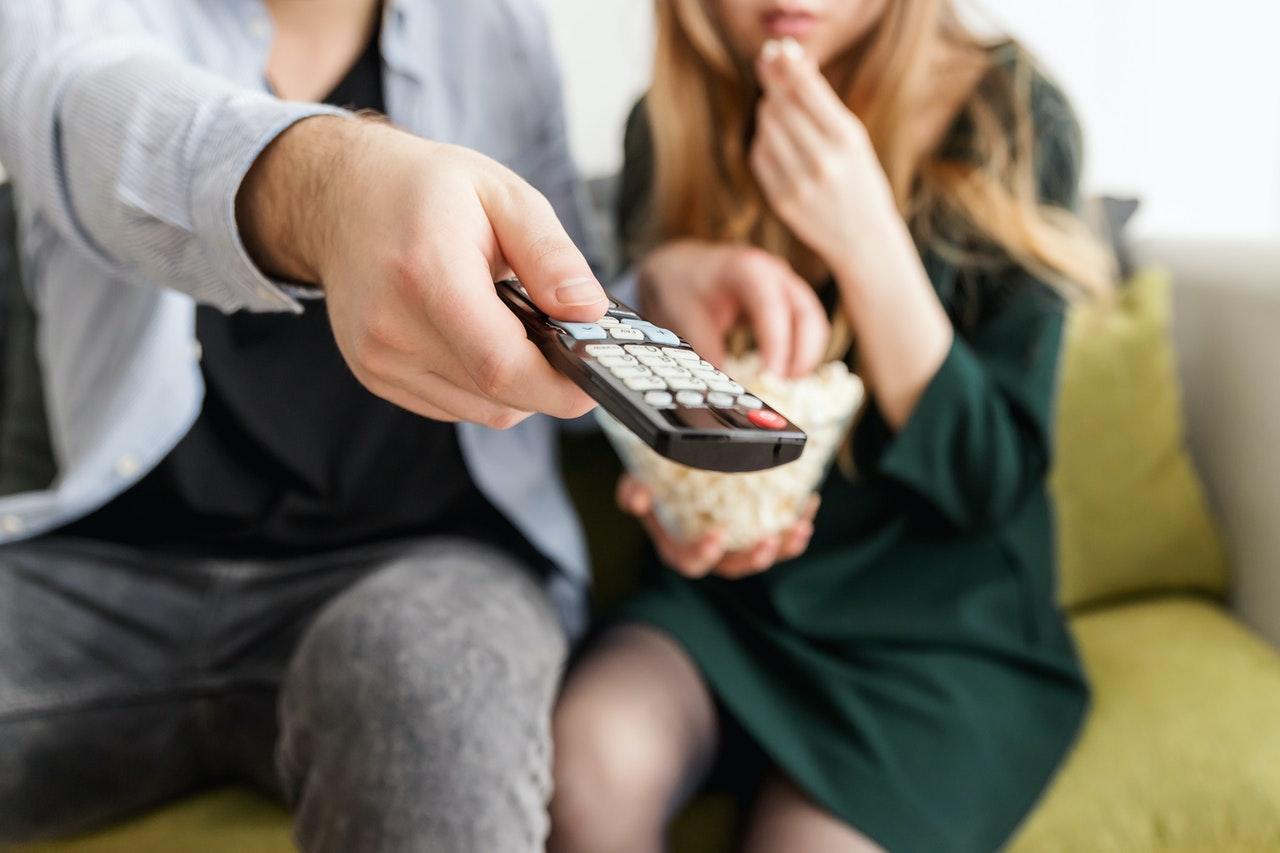 【抗疫宅家不無聊】推薦熟齡五部佳片,看電影,品人生