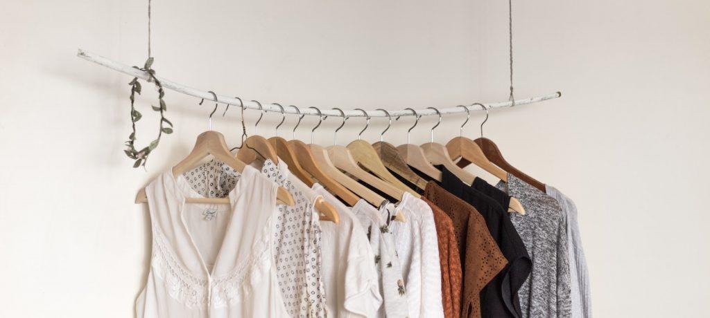 熟年時尚 斷捨離之後,讓人怦然心動的衣服色彩搭配法