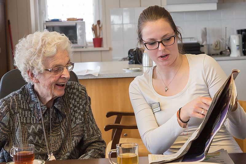 全球樂齡 荷蘭長照機構實踐青銀共居,銀青相伴抗疫不孤獨