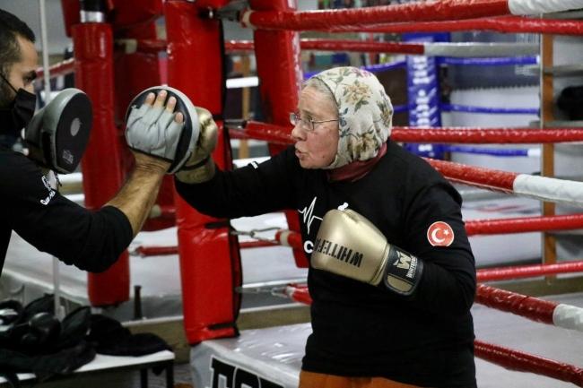 全球樂齡   75歲祖母級拳擊手  揮拳力抗帕金森氏症